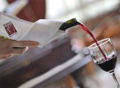 800x588Service-Wine